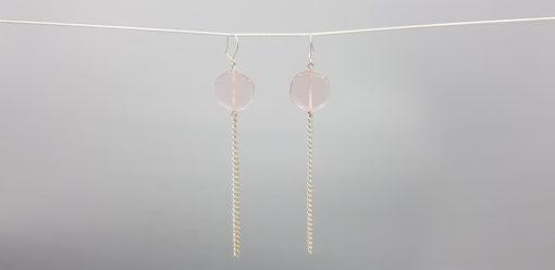 boucles d'oreilles longues galet harmonique rose pastel