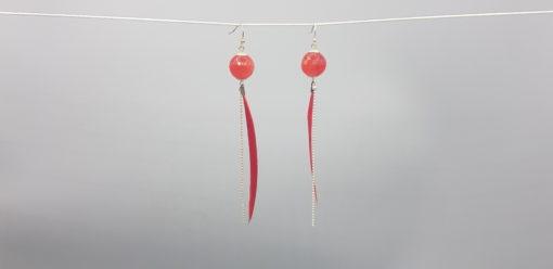 boucles d'oreilles longues plume rouge corail