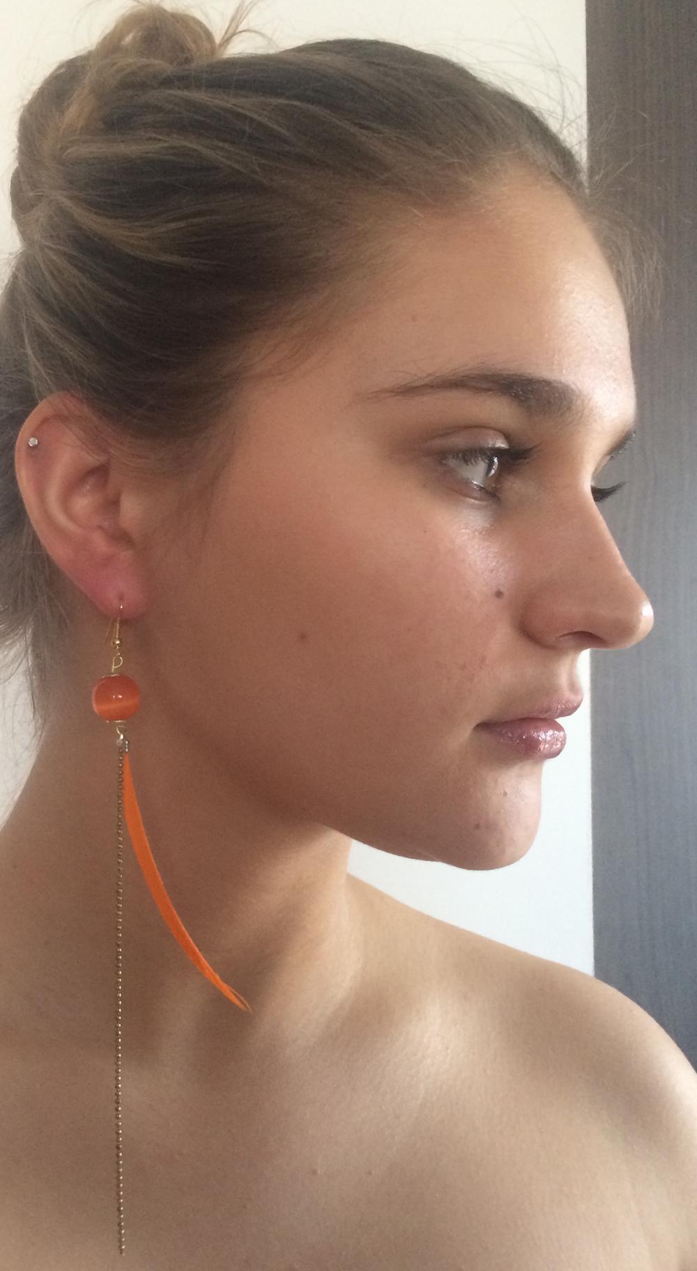 Bijou de cou Plume et Œil de chat Orange + Fil Argent diamanté