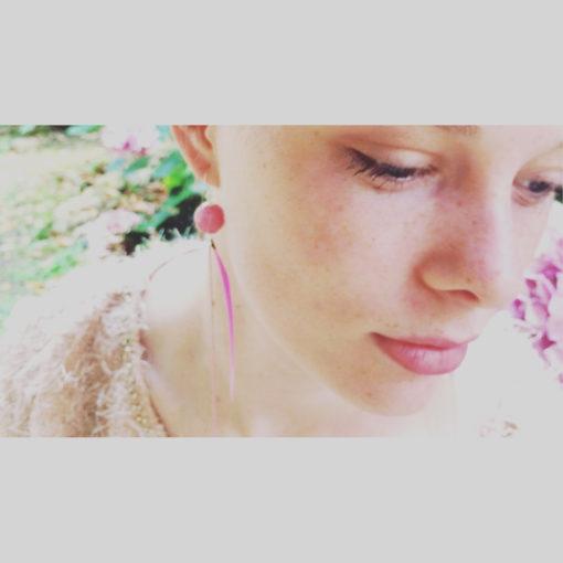 Bijou de cou Plume et Agate Rose barbapapa + Fil Argent diamanté
