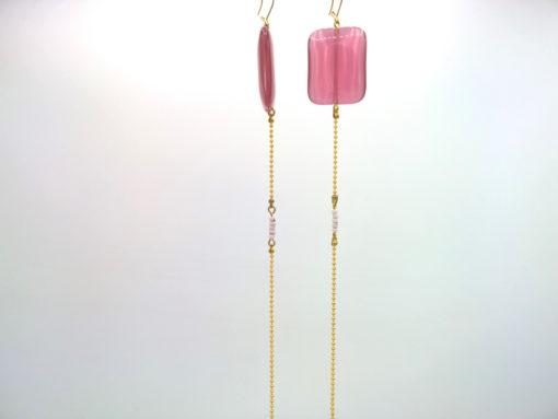 Longues boucles d'oreilles Équilibre Rectangle Œil de chat Vieux rose et pâte de verre + Fil d'Or laiton diamanté profil