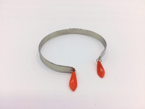 Bracelet jonc à breloques flèche orange