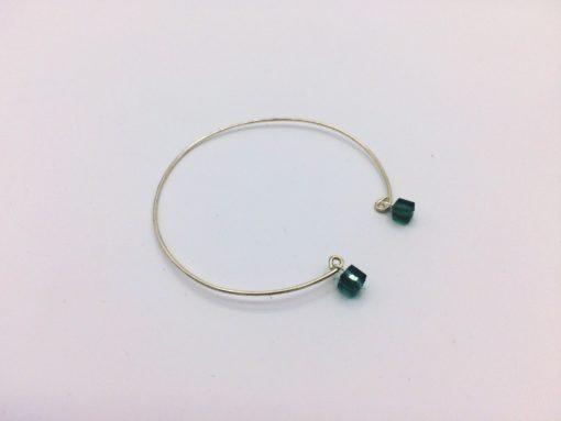 bracelet filaire chic planete cube de cristal vert forêt emeraude aplat